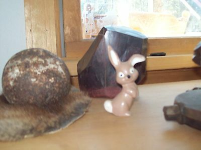 Vintage 3 1/2 inch hand painted rabbit  no maker name
