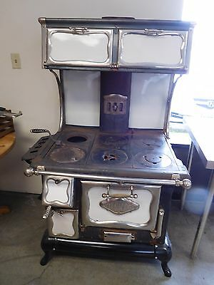 Antique Alcazar Lustre Wood Cook Stove