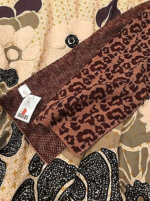 NWT Mens Urban Outfitters Leopard Print Knit Scarf