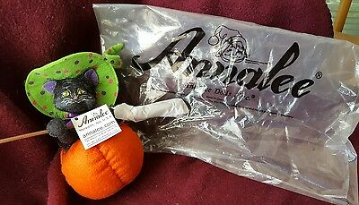 "Annalee Dolls ""Kitten In Pumpkin"". New With Tags. All Original Packaging. 6""."