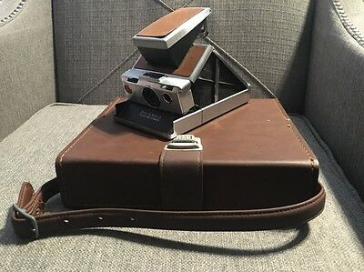 Vintage Polaroid SX-70 SX70 Land Camera with Carrying Case