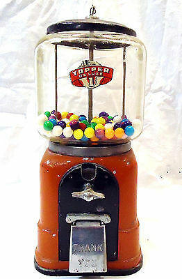 Antique 1940's Victor Topper Deluxe  Penny Vending  Gumball Machine  W/Key