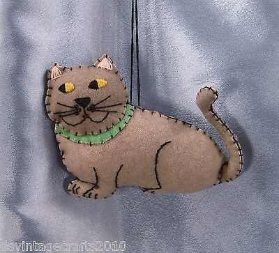 Folk Art Kitty Cat Hand Sewn Felt Christmas Ornament No.3752 New