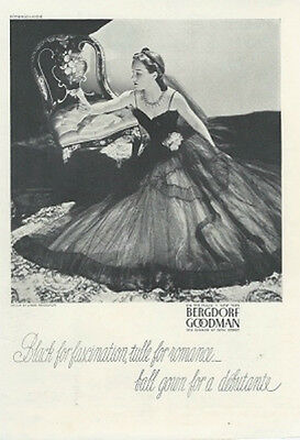 1939 Vintage Bergdorf BOMBSHELL Sweetheart CIRCLE DRESS GOWN AD Advertisement