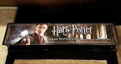Harry Potter Potter's Wand with Illuminating Tip The Noble Collection NONWORKING