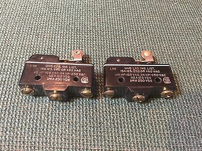 MICROSWITCH BZ-2RW82255-A2 SNAP ACTION ROLLER SWITCH (lot of 2) vintage