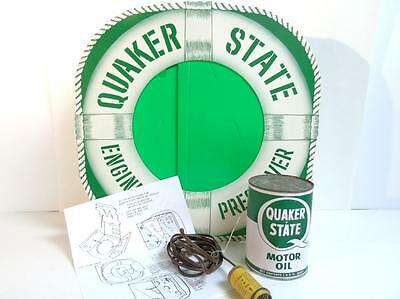 VINTAGE QUAKER STATE LIFE PRESERVER LIGHT UP DISPLAY w/LIGHT & MOTOR OIL CAN