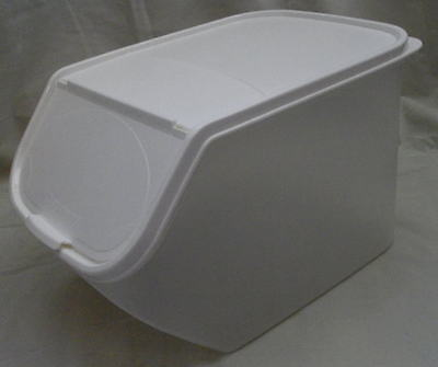 BNIP TUPPERWARE SMALL ACCESS MATE 3 colours to choose from
