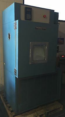 Thermotron El-8-Ch-2-2-5 Environmental Chamber W/ Digital Controls Lab