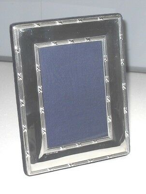 """7.5"""" STERLING SILVER FULLY HALLMARKED KITNEY & Co OF LONDON PHOTO PICTURE FRAME"""