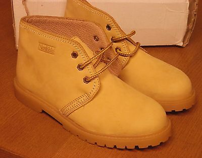 NEW Womens Northlake Wheat Suede Chukka Lug Sole ankle Boots  Sz 7 M
