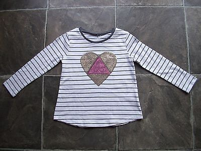 BNWT Girl's Grey & White Sequinned Heart Long Sleeve Cotton Top Sizes 4, 5 & 6