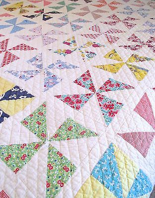 Vintage Hand Sewn Cotton Feed Sack Pinwheel Design Cabin, Cottage, Bed Quilt