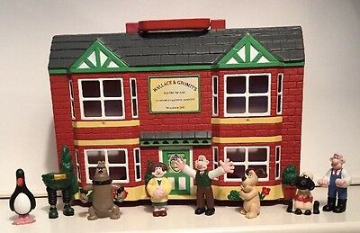 Vintage Wallace & Gromit 1989 Wash'N'Go Window Cleaning Service shop & Figures