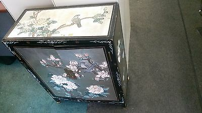 Chinese Cabinet perfect to add Oriental flair to any Livingroom, Bedroom, Bath!!