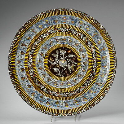 A circa 1900 THOUNE, THUN Majolica Plate with floral decor