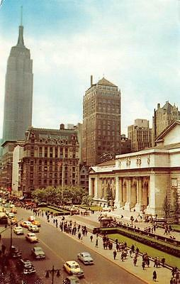 NY, New York City   PUBLIC LIBRARY & Street View      c1940's Cars     Postcard