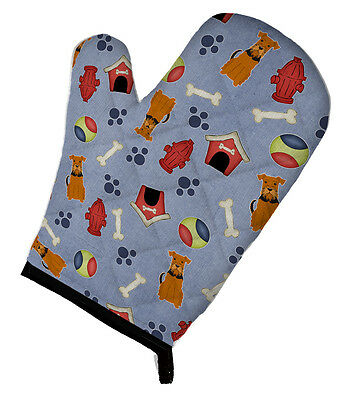 Carolines Treasures  BB2654OVMT Dog House Collection Airedale Oven Mitt