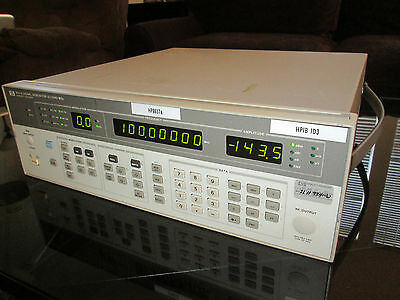 HP 8657A Signal Generator, 0.1 to 1040MHz