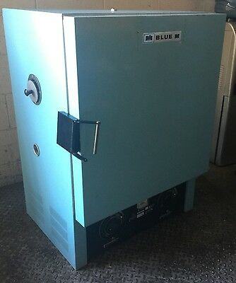 Blue M Oven Ov-490A-2 Temp Range 38C To 260C / 500F Laboratory