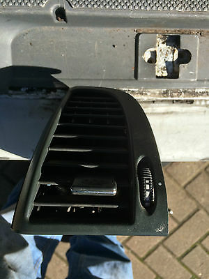 Passenger Side Vent From 06 Mercedes Vito Cdi 639