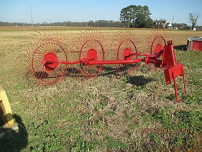 Sitrex 4- wheel hay rake with 3-point hook-up