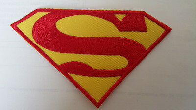 Patch Superman Toppa Ricamata Termoadesiva Cm. 9X6