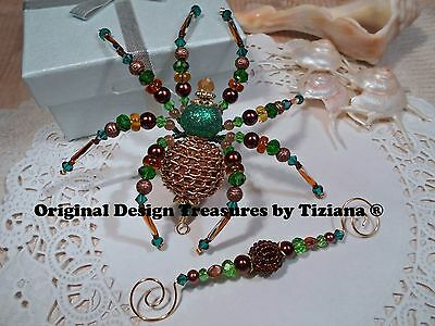 Treasures byTiziana® Emerald May Birthstone Gold chain Big Belly Pregnant Spider