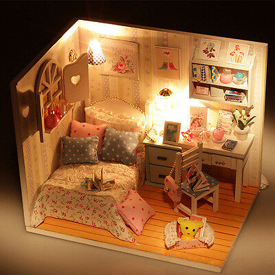 1 Set Of Mini Miniature DIY Beautiful House Creative Gifts Educational Presents