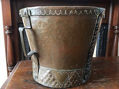 Lovely Antique Arts & Crafts Copper Coal Bucket - Hand Decorated, Late 1800's.