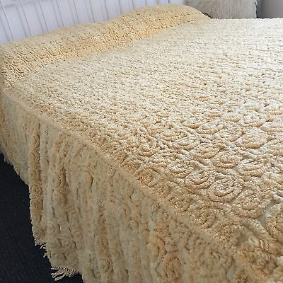 Rare AMAZING Swirl YELLOW Chenille Bedspread LARGE MINT 50's Quilt