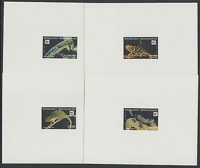 XG-BA254 MADAGASCAR IND - Wwf, 1999 Reptils 4 Deluxe Sheets MNH
