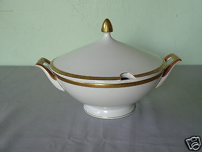 Vintage Heinrich Selb Bavaria Germany Gold Floral Band White China Soup Tureen