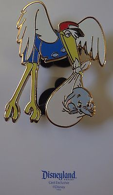Disney Pin Cast Exclusive Stork Caring Baby Dumbo the Elephant & Greeting Card