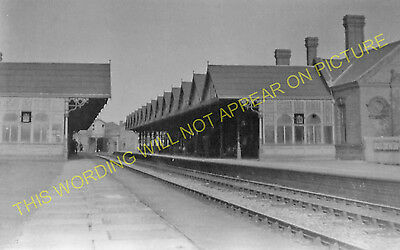 Melton Mowbray North Railway Station Photo. Scalford - Great Dalby. GNR LNW (6)