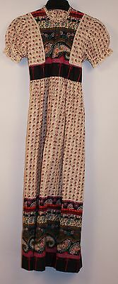 ORGINAL VINTAGE 1970s GIRLS LONG DRESS. SIZE 28.6 YEARS.