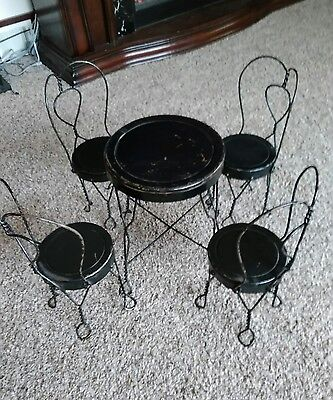 VINTAGE Metal Table & chair set Childs play set Ice cream parlor Table & chairs