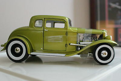 1/18 ACME #1805006 1932 Ford 5 Window Coupe Deuce