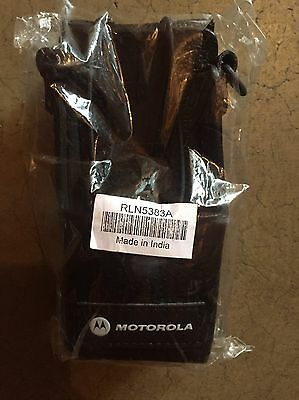 New Motorola RLN5383A Hard Leather Case w/ Belt Loop & D Rings For CP150, CP200