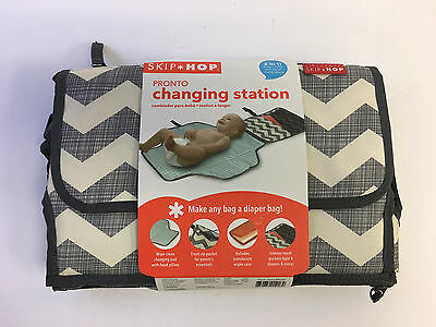 Skip Hop Pronto Portable Mini Changing Pad Diapering Kit w/ Free Wipes Case New