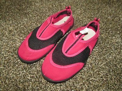 EUC Girl's Pink & Black WATER SHOES Size 1/2 Youth   DARLING!!!