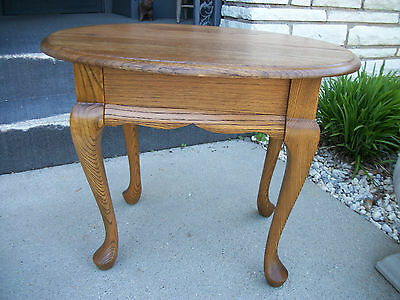 Comfin Table Somers Corp. Oak Side Table