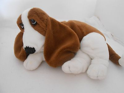 Hush Puppies FLOPPY BASSET HOUND Plush Mint with tag ON EAR CHRISTMAS