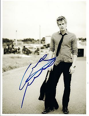 Luke Mitchell Signed Tomorrow People Cute 8x10 Photo Autograph Coa Blindspot Entertainment Memorabilia Autographs-original
