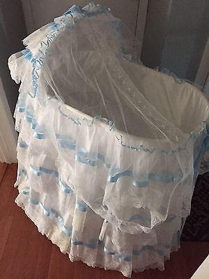Baby Boy/ Girl Bassinet Cradle COMPLETE Bed Set White With Blue