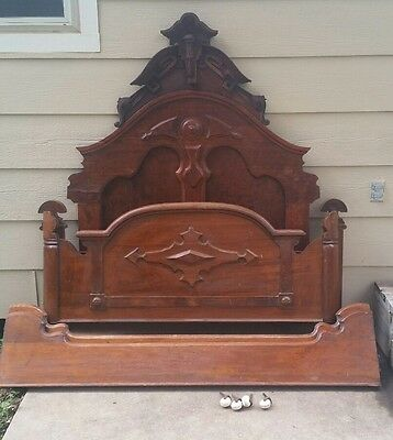 antique 1800's victorian Lincoln full size bed.