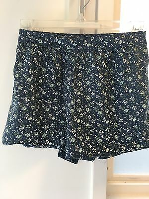 M (8) Kids Navy Blue Floral Skort/ Shorts