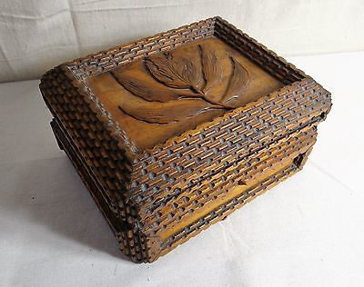 Very Good American Tramp Art Dresser Box from Black Walnut, Late 19th Century