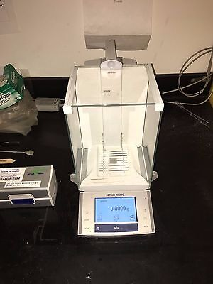 METTLER TOLEDO XS204 ANALYTICAL BALANCE LABORATORY SCALES and CarePac S Weights