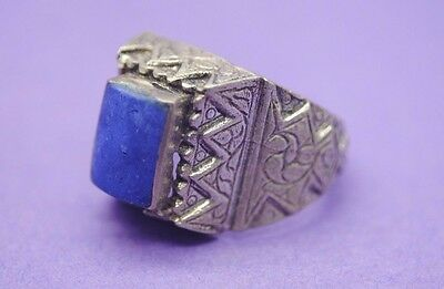 Nice antique silver decorated ring with stone insert